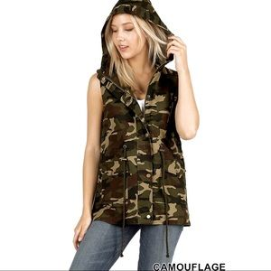 Zenana Woman's Camouflage Hooded Vest